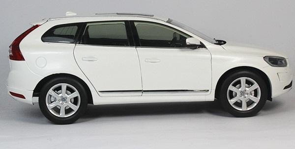 โมเดลรถ โมเดลรถเหล็ก โมเดลรถยนต์ Volvo XC60 white 3