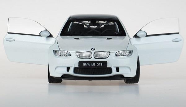 BMW M3 GTS white 6