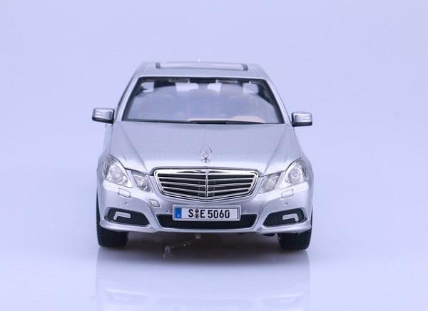 โมเดลรถ โมเดลรถเหล็ก โมเดลรถยนต์ Benz E 350 E-class silver 4