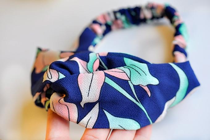 ผ้าคาดผมแฟชั่นโบฮีเมียนลายดอกไม้สีน้ำเงินชมพู