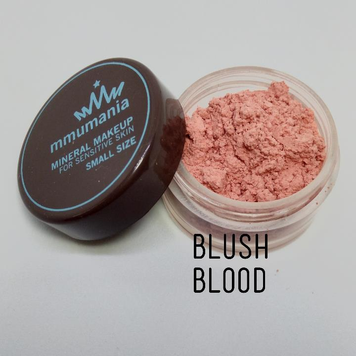 ขนาดจัดชุด MMUMANIA Exclusive Blush : Clear Matte BLOOD