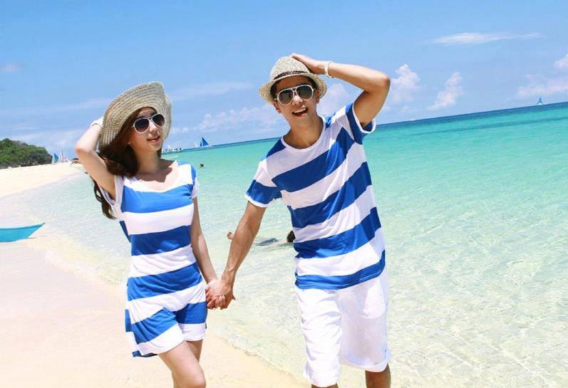 ชุดคู่รักแฟชั่นสไตล์เกาหลี ใส่ไปเที่ยวสวย ๆ ใส่เดินเล่นชิล ๆ สีน้ำเงินขาว
