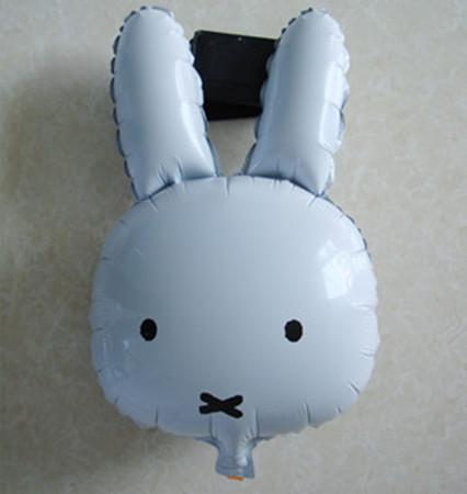 ลูกโป่งกระต่ายขาว