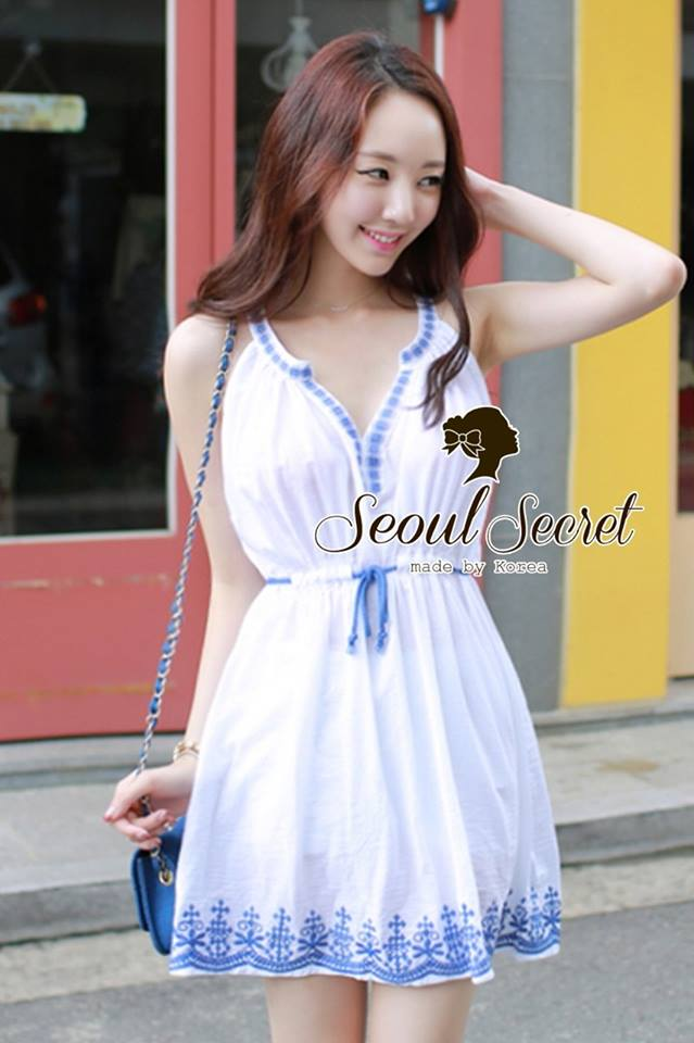DR-LR-121 Chicly Cami White Dress Blue Retro Embroider Style