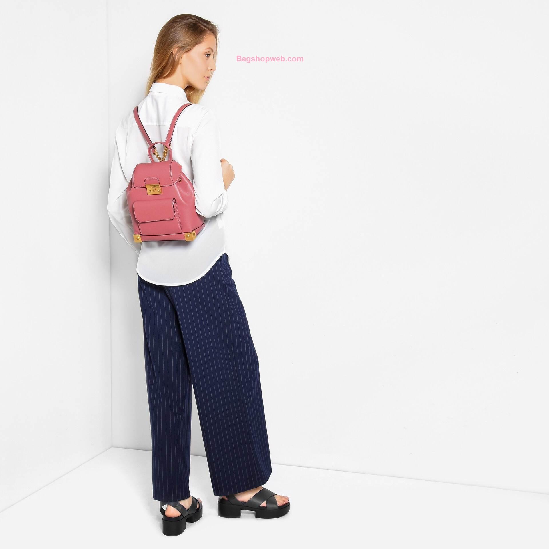 กระเป๋า CHARLES & KEITH METALIC PLATE BACKPACK สีชมพู ราคา 1,490 บาท Free Ems