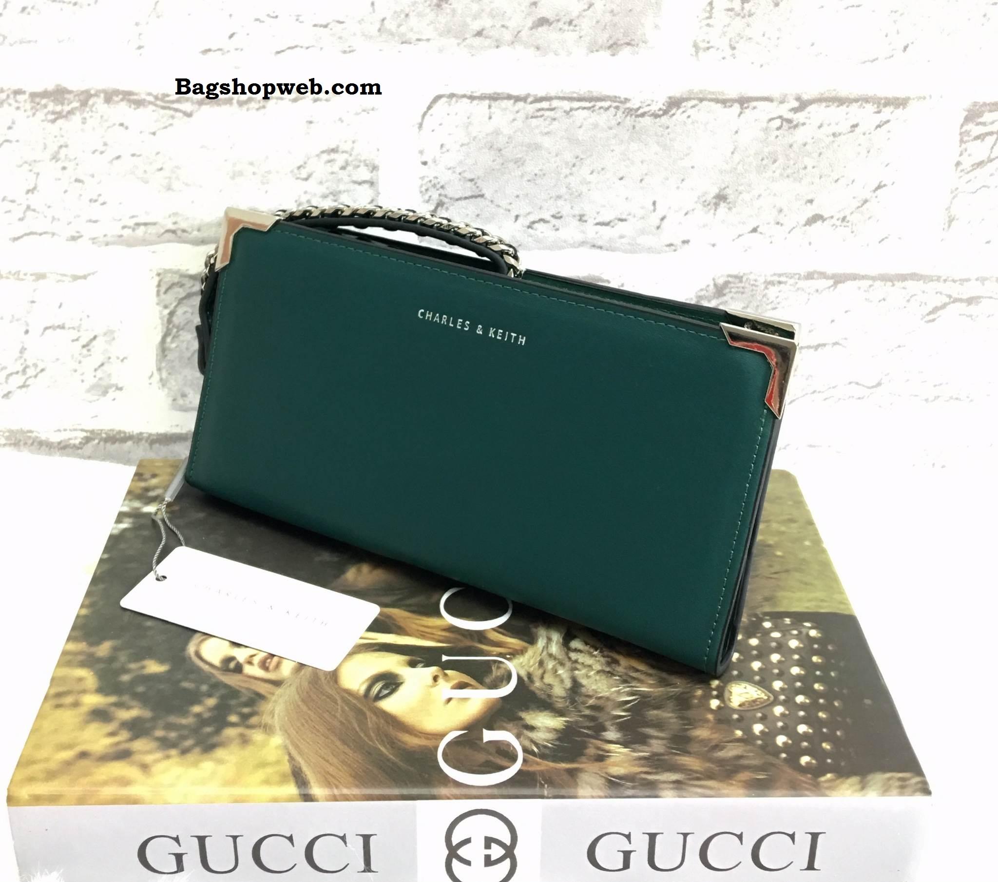 กระเป๋าเงิน CHARLES & KEITH LONG WALLET BAG ราคา 1,090 บาท Free Ems