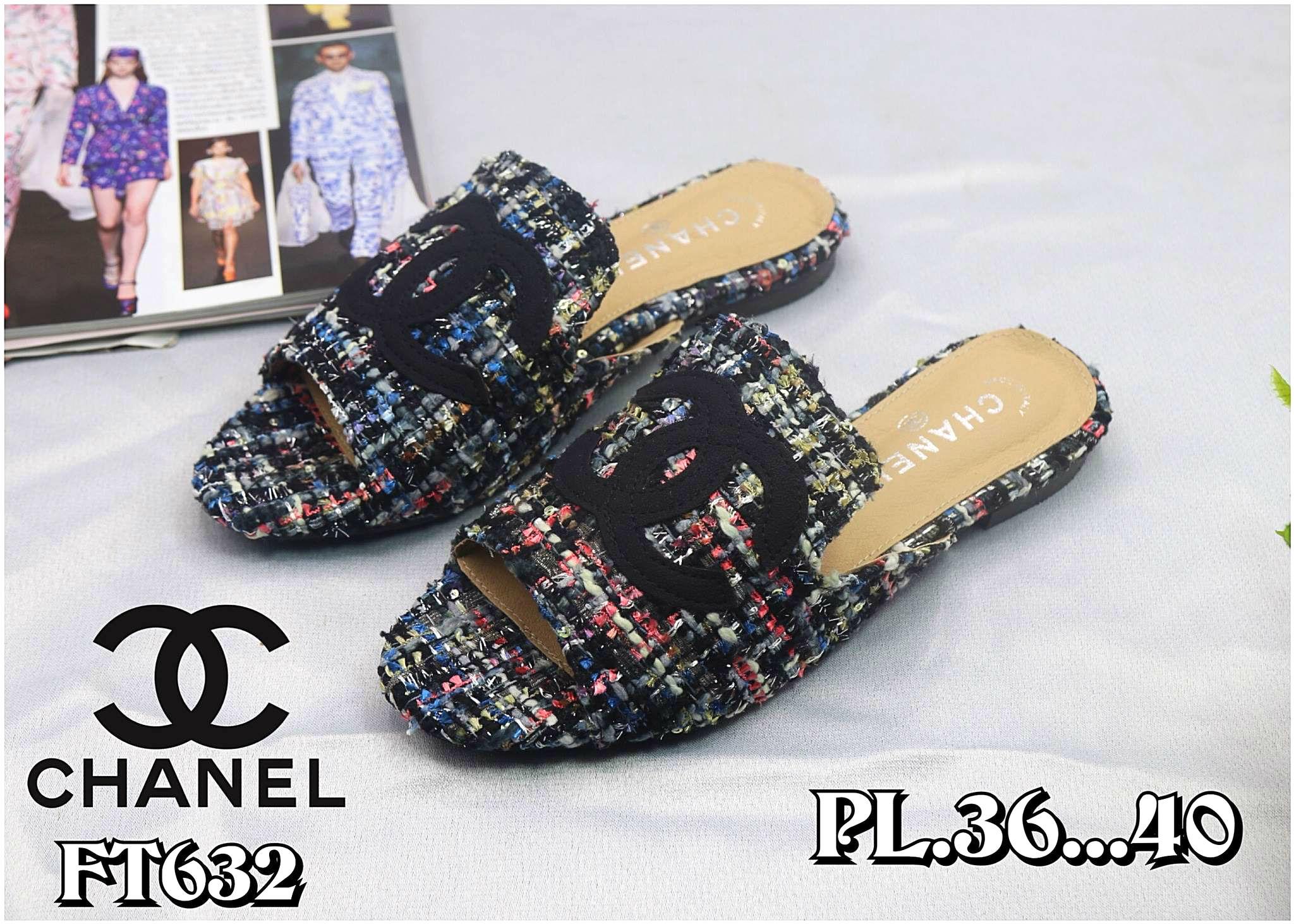รองเท้าแตะแฟชั่น แบบสวม บุผ้าลายทวิสแต่ง CC สวยเก๋ไฮโซสไตล์ชาแนล หนังนิ่ม ทรงสวย ใส่สบาย แมทสวยได้ทุกชุด (FT632)