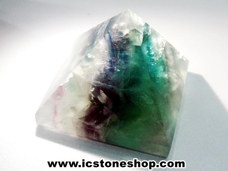 ▽หินทรงพีระมิค-ฟลูออไรท์ (Fluorite) (74g)