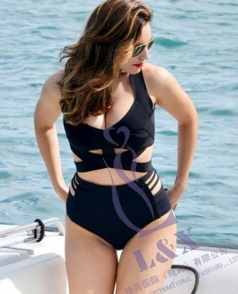 ชุดว่ายน้ำคนอ้วน ไซส์ใหญ่พร้อมส่ง :ชุดว่ายน้ำทูพีชสีดำ แฟชั่นแบบเก๋ sexy มากๆเลยจ้า: มี Size 2xl ,3xlรายละเอียดไซส์คลิกเลยจ้า