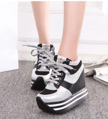 รองเท้าเท้าผ้าใบพื้นหยักส้นตึกสูง 12 cm