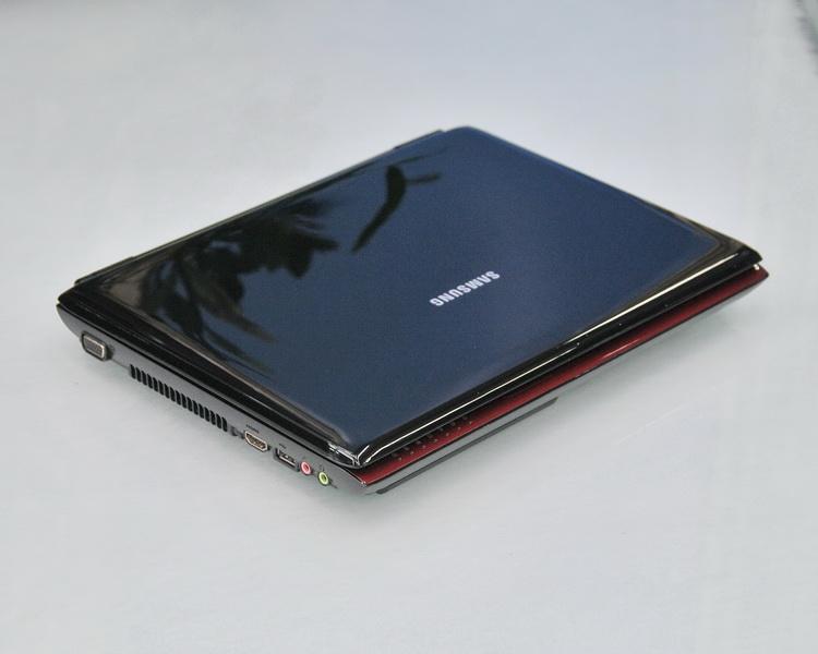 SAMSUNG NQ210