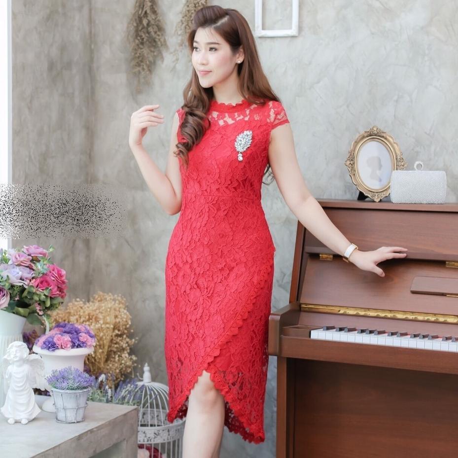 ชุดเดรสสวยหรูสีแดง เข้ารูป แขนสั้น เป็นชุดออกงาน ไปงานแต่งงาน ใส่ได้ทั้งงานกลางวัน/งานกลางคืน