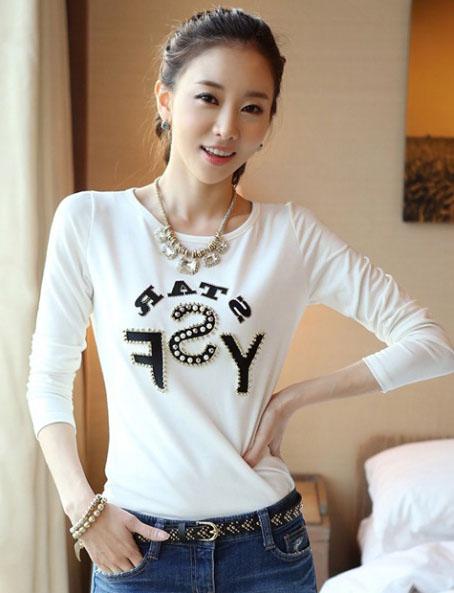 เสื้อแขนยาวแฟชั่นเกาหลี สวย น่ารัก สีขาว พิมพ์ลายเก๋ๆ ประดับหมุด