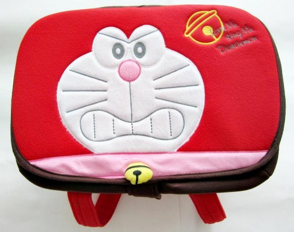 กระเป๋าถือใส่สัมภาระเด็ก (โดเรมอน) สีแดง ขนาดใหญ่ 35x45x27cm. มีฝาปิด