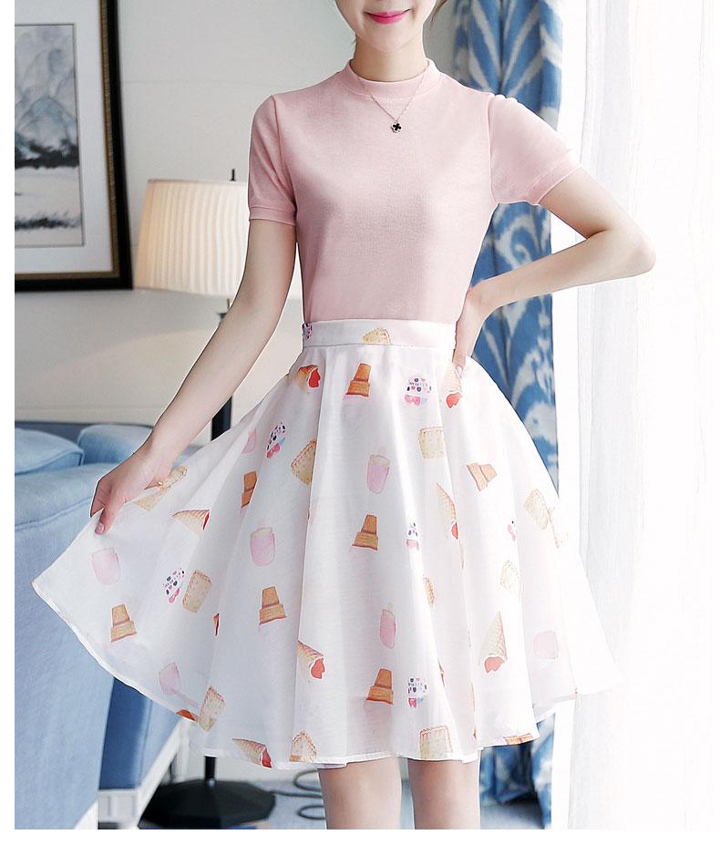 ชุดเสื้อกระโปรงโทนสีชมพูขาว แขนสั้น กระโปรงพิมพ์ลายน่ารักๆ ( สินค้าพร้อมส่ง )