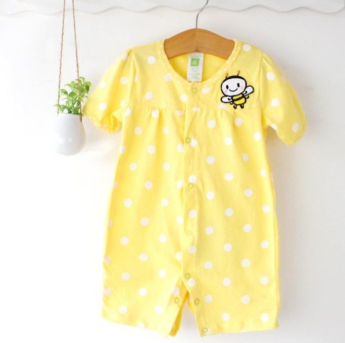 ชุดทารก Romper (3-6m) ลายจุดสีเหลือง พิมพ์ลายผึ้งน้อยน่ารัก