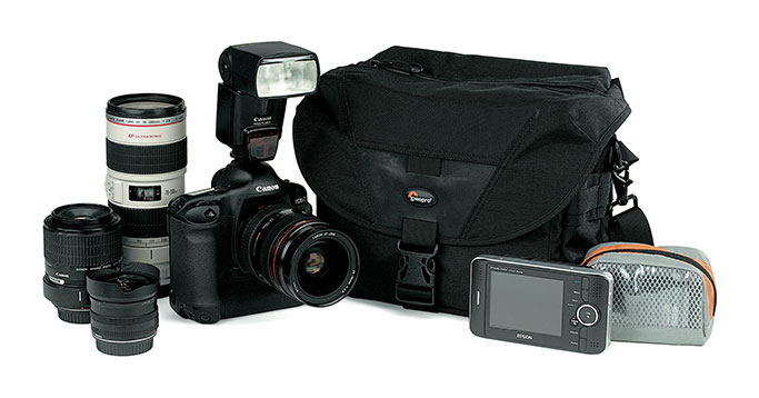 LowePro STEALTH REPORTER D 300 AW