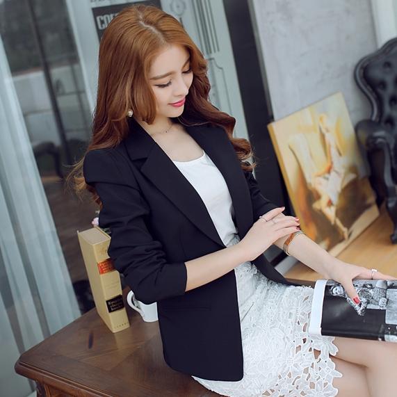 เสื้อสูททำงานผู้หญิงสีดำ คอปก แขนยาว ทรงสวย ลุคสวย ดูดี สง่า