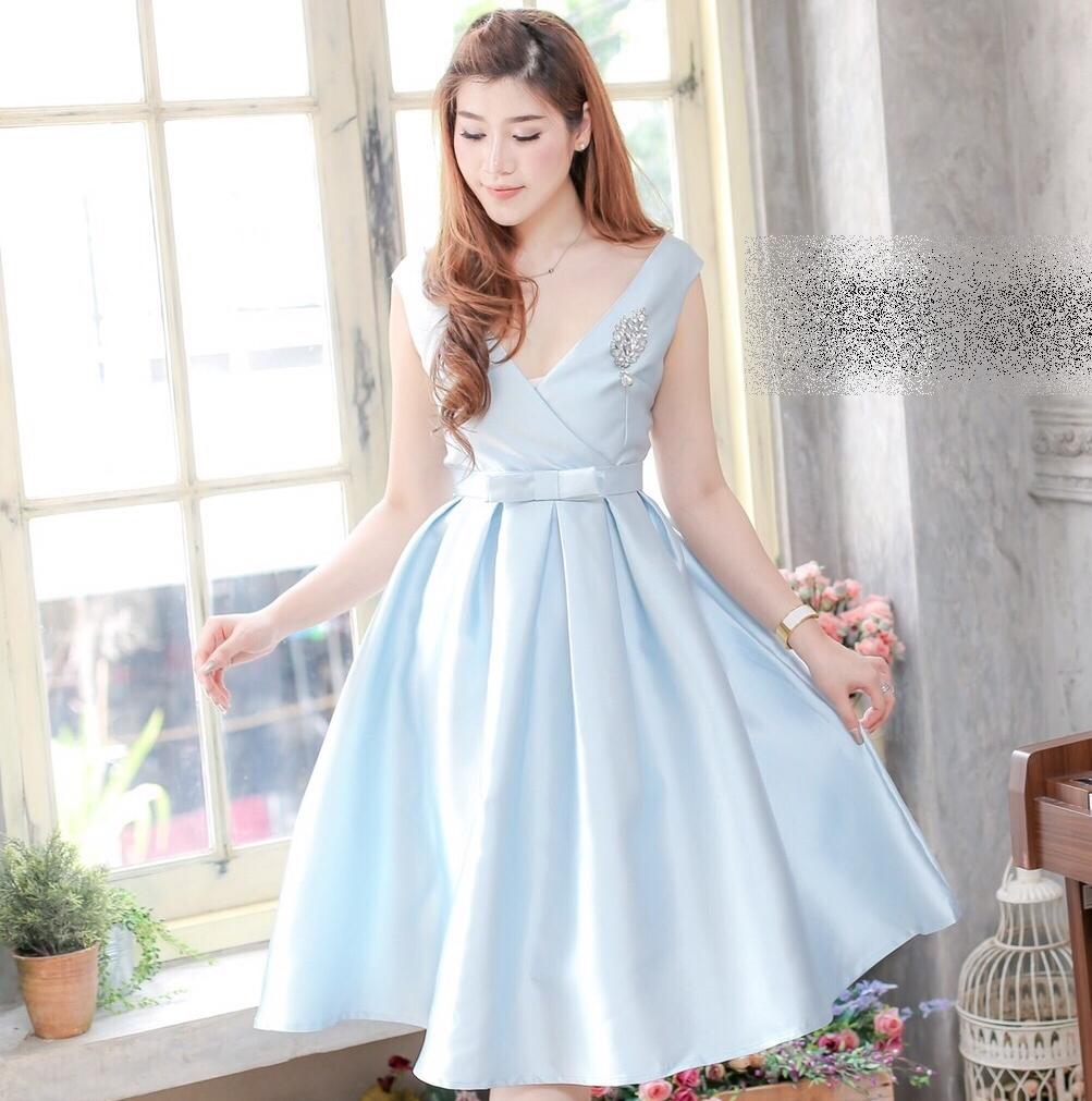 ชุดออกงาน ชุดไปงานแต่งงานสีฟ้า ผ้าไหมอิตาลีสวยหรู คอวี กระโปรงบานทรงเจ้าหญิงสวยหวาน ดูดี