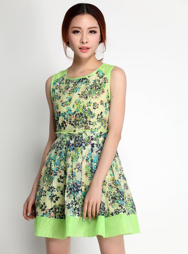 ชุดเดรสทำงานสวยๆ สีเขียว ลายดอกไม้ คอกลม แขนกุด กระโปรงจับจีบทวิส ปลายกระโปรงแต่งสีเขียวเก๋ๆ ผ้าชีฟอง ซับใน ซิปหลัง