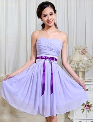 ชุดเดรสสั้นเกาะอกสีม่วง ผ้าชีฟอง คาดเอวด้วยริ้บบิ้น สวยหวาน น่ารักๆ ใส่ออกงาน ไปงานแต่งงานธีมสีม่วง