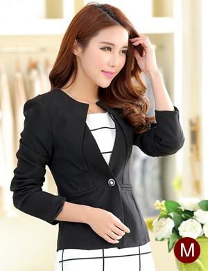 เสื้อสูททำงานผู้หญิง สีดำ คอจับจีบ แขนยาว กระดุม 1 เม็ด เอวเข้ารูป แต่งกระเป๋าหลอก ผ้าโพลีเอสเตอร์ มีซับใน ไซส์ M