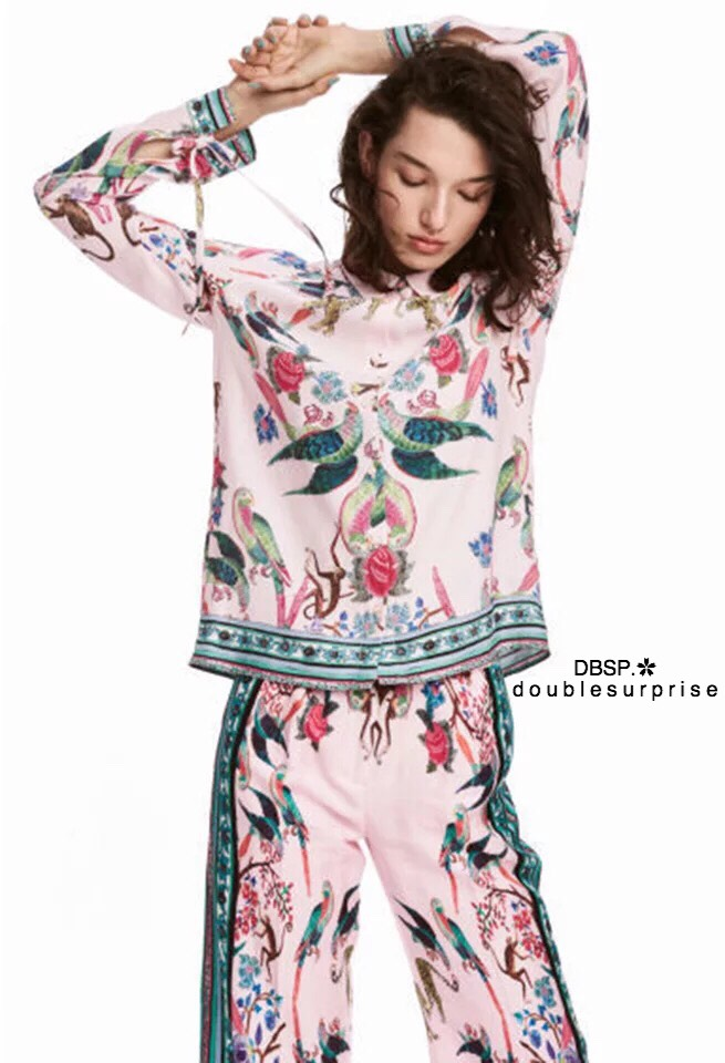 กางเกงขายาว งาน H&M ผ้าล็อคลายทั้งหน้าและหลัง เนื้อผ้าลื่น ใส่สบายค่ะ จับแมทเข้าเซ็ทกับเสื้อ หรือจับแยกแมทได้หมดค่า