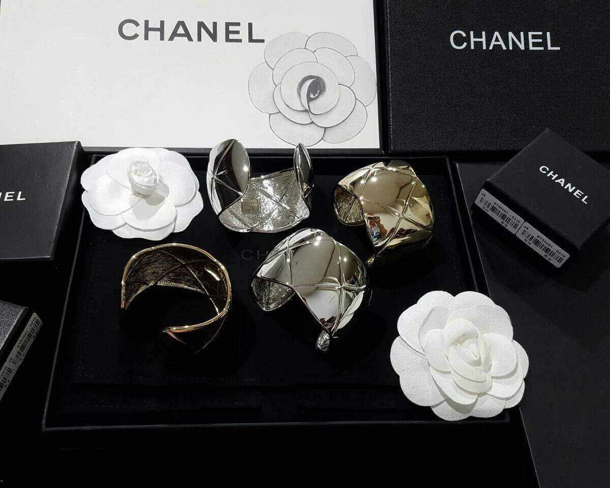 Chanel Cuffs งาน stainless steel 100% ค่ะ งานเกรดไฮเอนค่ะ 2 สีเงิน/ทอง