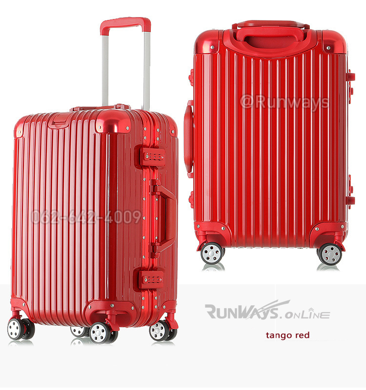 กระเป๋าเดินทาง By Runways สี Tango Red