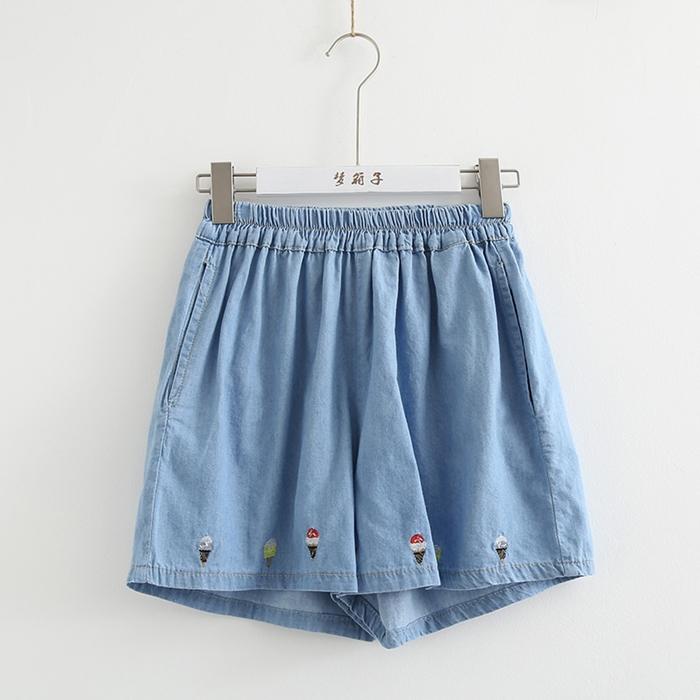 กางเกงยีนส์ขาสั้นเอวยืด ปักลาย (มีให้เลือก 2 สี 2 ไซส์)