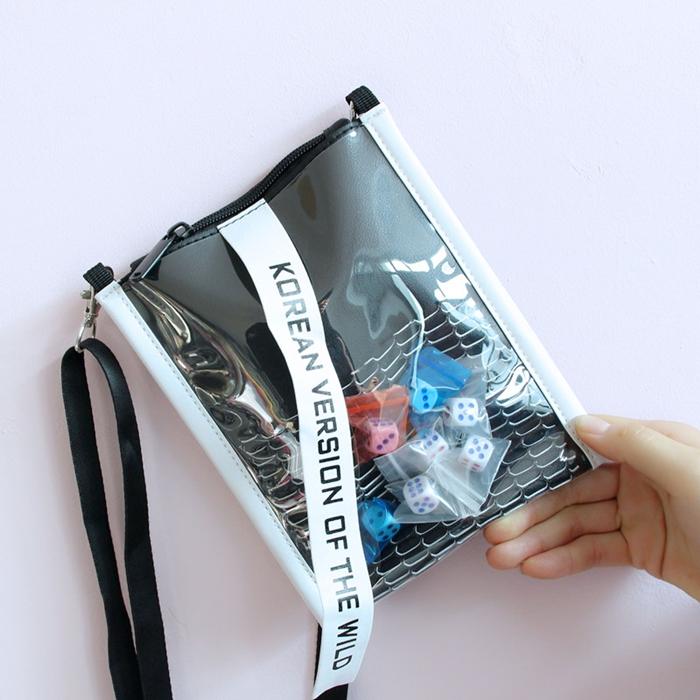 กระเป๋าสะพายข้าง PVC สไตล์ฮาราจูกุ (แต่งลูกเต๋า/แต่งเป็ดยาง)