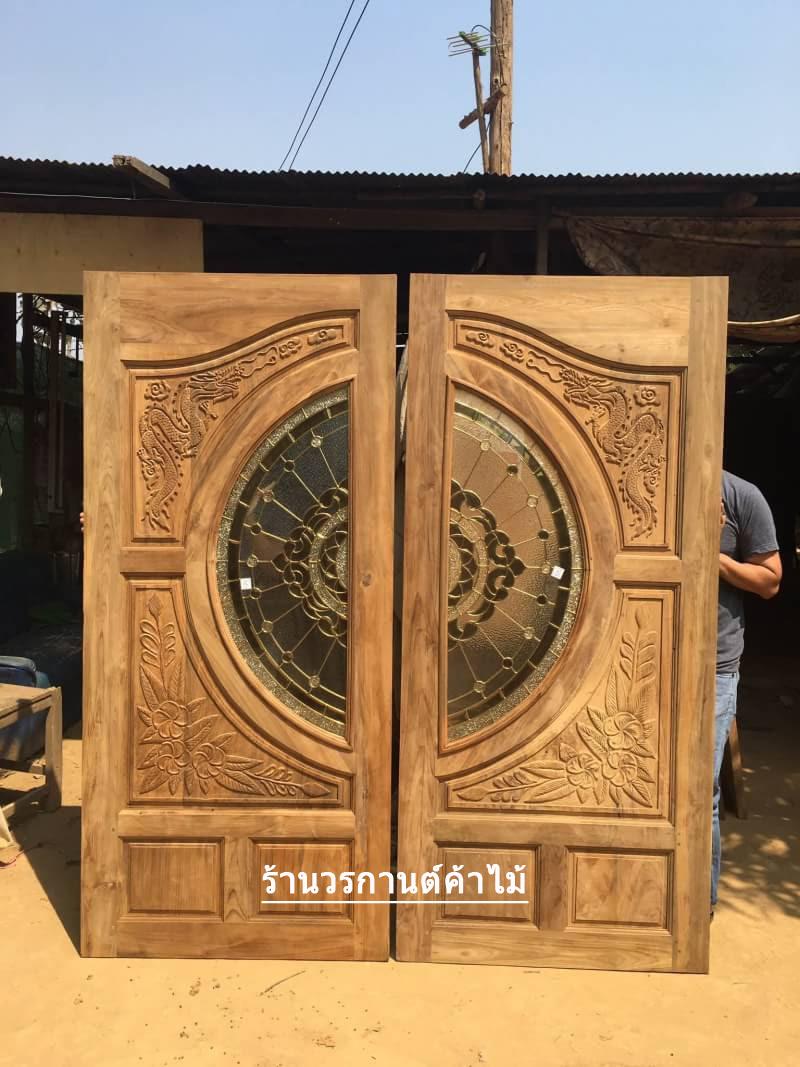 ประตูไม้สักกระจกนิรภัย แกะมังกรดอกไม้ เกรดA รหัส AA17