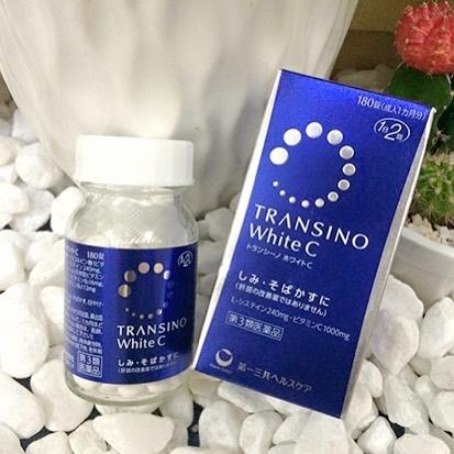 TRANSINO White C 180 เม็ด อาหารเสริมบำรุงผิวกระจ่างสดใส ขาวเพิ่มประสิทธิภาพมากขึ้นผลิตภัณฑ์ยอดฮิตจากประเทศญี่ปุ่น อาหารเสริมเพื่อผิวขาว เนียน ใส ช่วยลดการทำงานของเม็ดสีเมลานิน ซึ่งเป็นการหยุดปัญหาผิวผมองคล้ำ ลดรอยคล้ำจากแสงแดด รอยกระ ฝ้าและช่วยป้องกัน ซ่อ