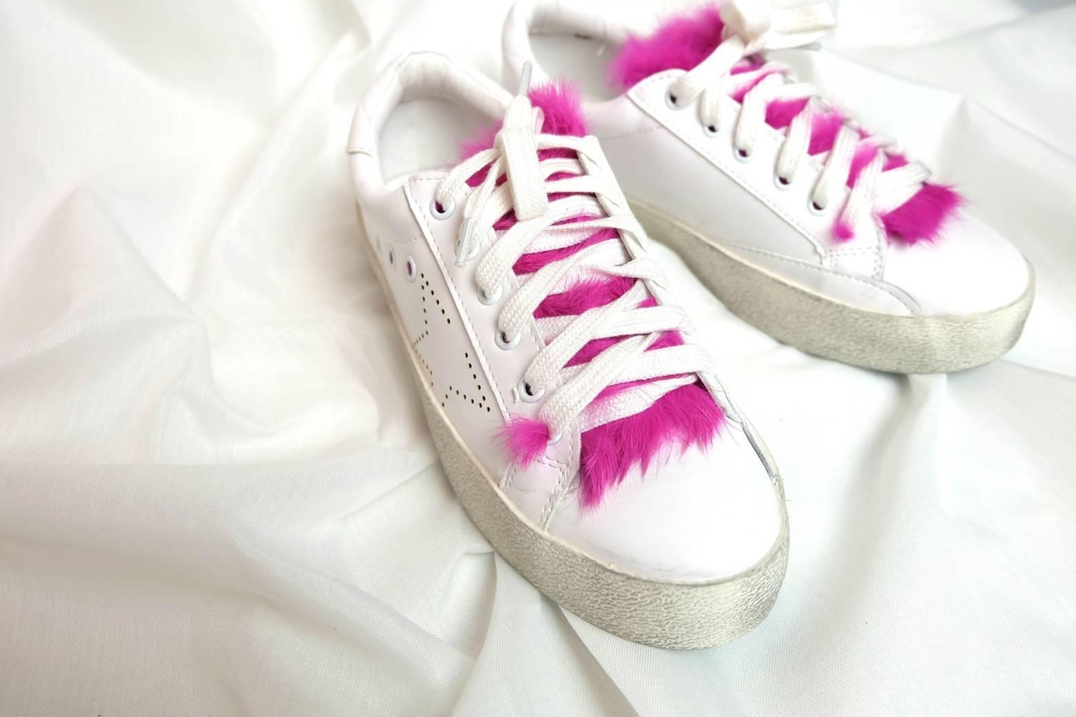 รองเท้าผ้าใบแฟชั่น สีชมพู