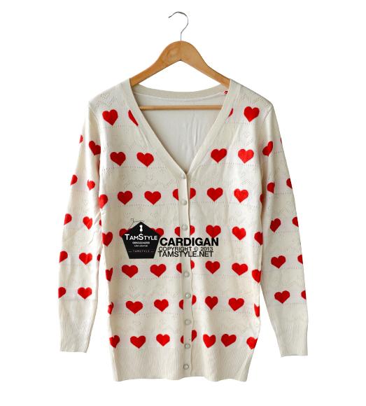 """Coat-074 เสื้อคลุมไหมพรม มีฉลุลาย สีครีม ลายหัวใจ อก free ยาว 27 """" (เสื้อคลุมพรมไหมพรมพร้อมส่ง)"""