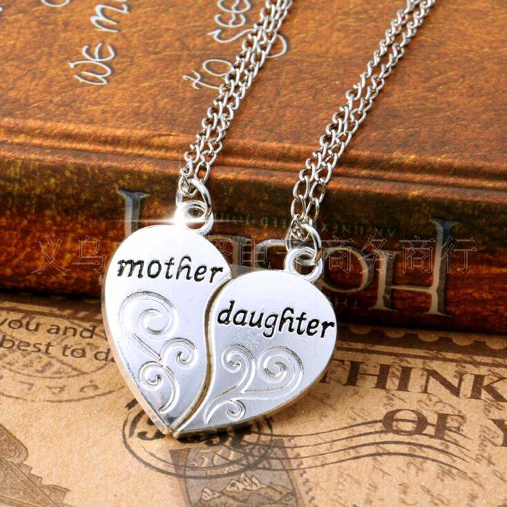 Mother & Daughter Heart Jigsaw Necklace สร้อยคอคู่แต่งจี้รูปหัวใจของคุณแม่และลูกสาว