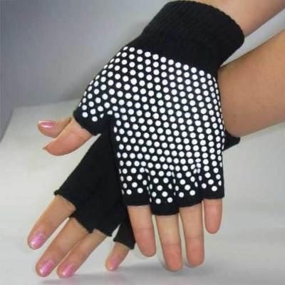 ถุงมือโยคะ กันลื่น คุณภาพสูง สีดำ