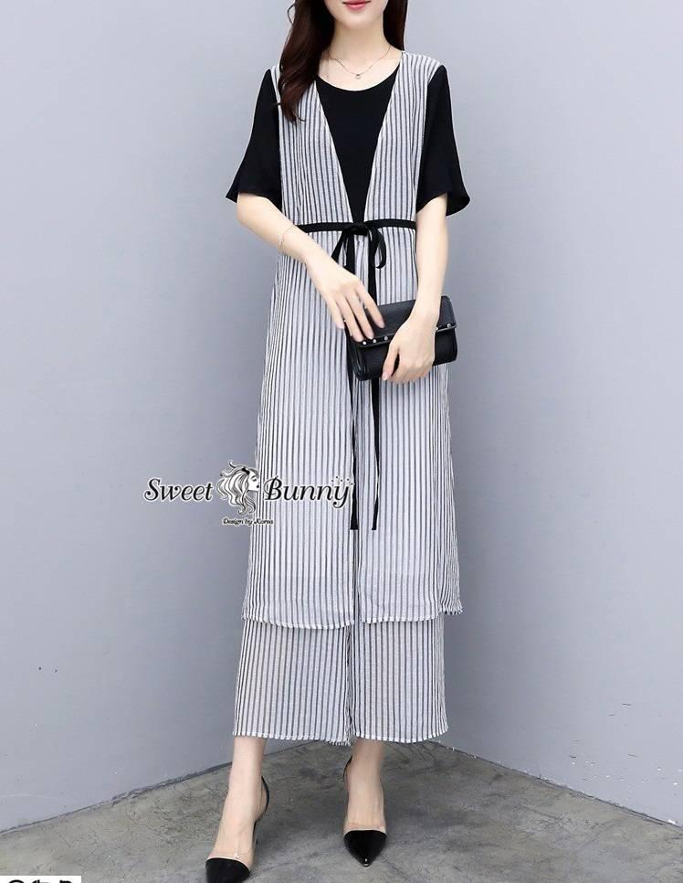 ชุดเซทแฟชั่น ชุดเซ็ท+กางเกงงานเกาหลี เสื้อเป็น 2 ชิ้น ติดกันตัวในเป็นผ้ายืดสีดำเนื้อนุ่ม
