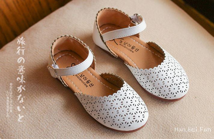 รองเท้าเด็กผุ้หญิง สีขาว