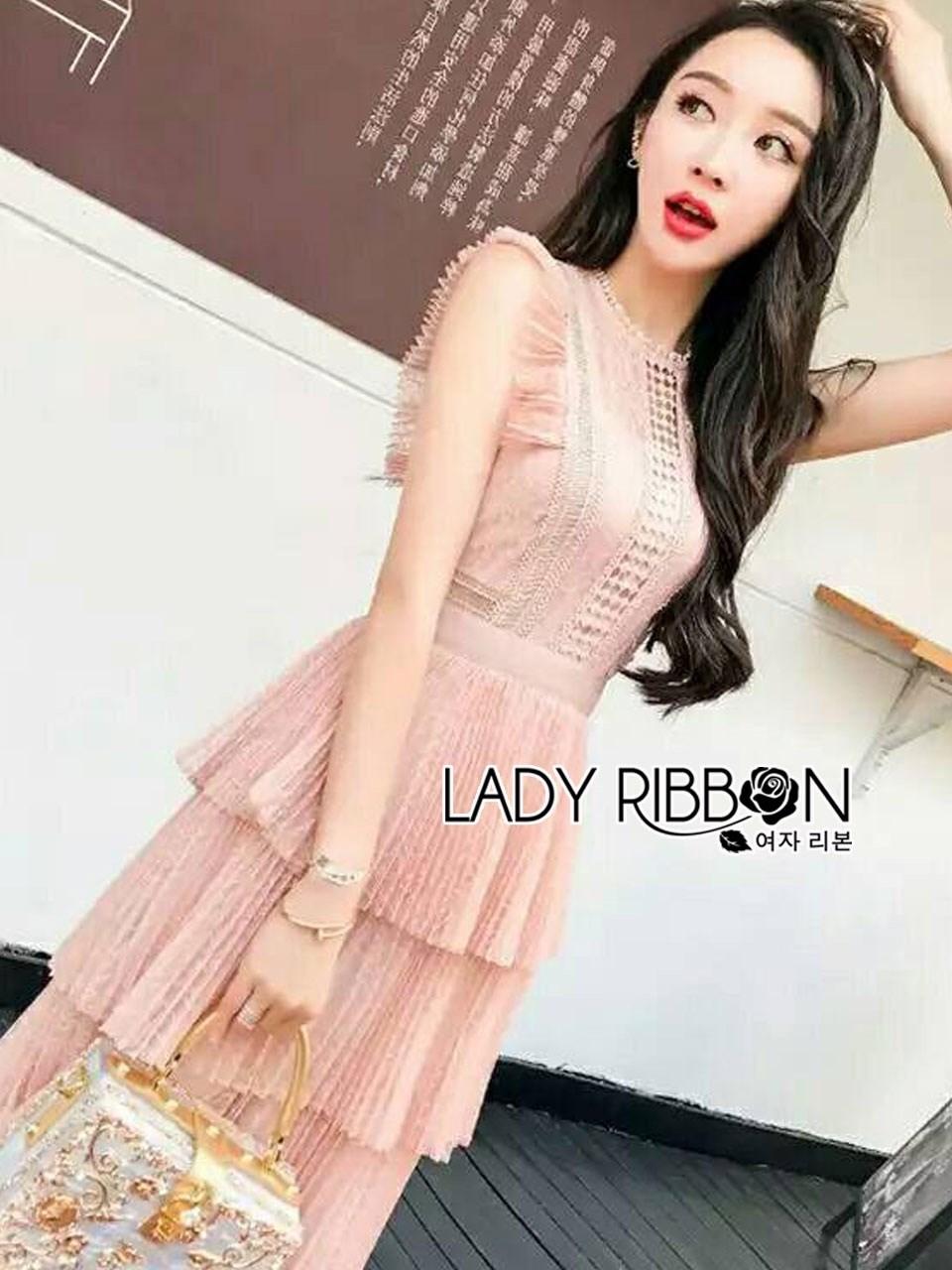 เดรสผ้าลูกไม้สีพีชตกแต่งเลเยอร์ ตัวนี้เป็นแนวค็อกเทลไว้ใส่ไปงานแต่งงานหรือปาร์ตี้ ป้าย Lady Ribbon นะคะ