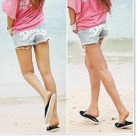 ++ สินค้าพร้อมส่งค่ะ++กางเกงยีนส์ขาสั้น ฟอก สกรีน Dreamy ด้านหลัง - สีน้ำเงินซีด