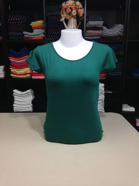 """เสื้อยืดคอกลม สีเขียวใบไม้ size """"M"""""""