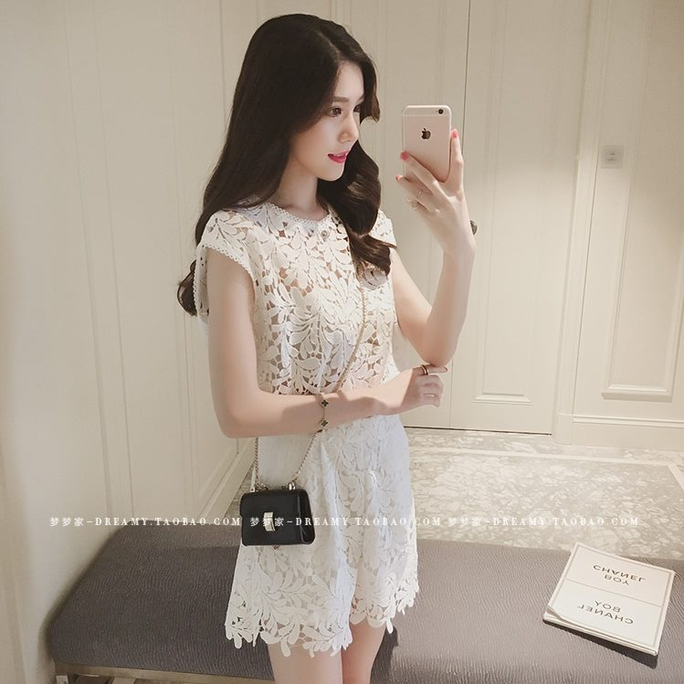 แฟชั่นเกาหลี set เสื้อและกางเกง ผ้าลูกไม้ถักลายใบไม้สีขาว น่ารักมากๆ