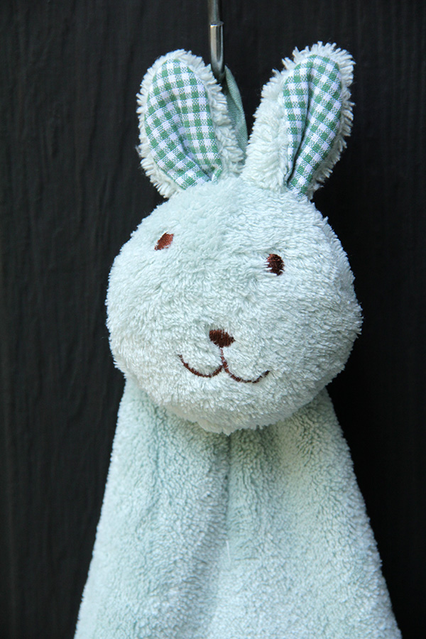 Lovely Rabbit Hand Towel (Green)