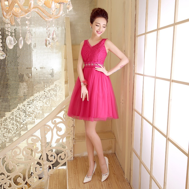 ชุดราตรีสั้น แขนกุด คอวี ตัวเสื้อผ้าลูกไม้สี red rose