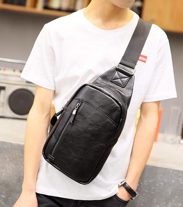 Pre-order กระเป๋าผู้ชายคาดอกแฟชั่นเกาหลี ใส่ ipad 7.9 นิ้ว Messenger กระเป๋ากีฬากันน้ำ รหัส Man-9202 สีดำ