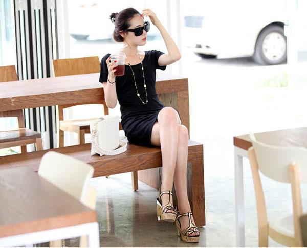 DRESS ชุดเดรสสั้น เปิดหลัง แฟชั่นใส่ทำงาน - ใส่เที่ยว สีดำ ผ้าคอตตอน น่ารัก เท่ๆ จ้า thaishoponline