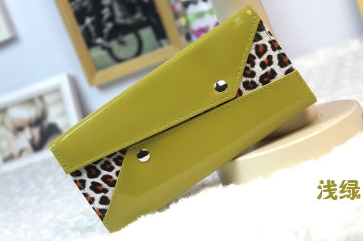 Handbags - Green