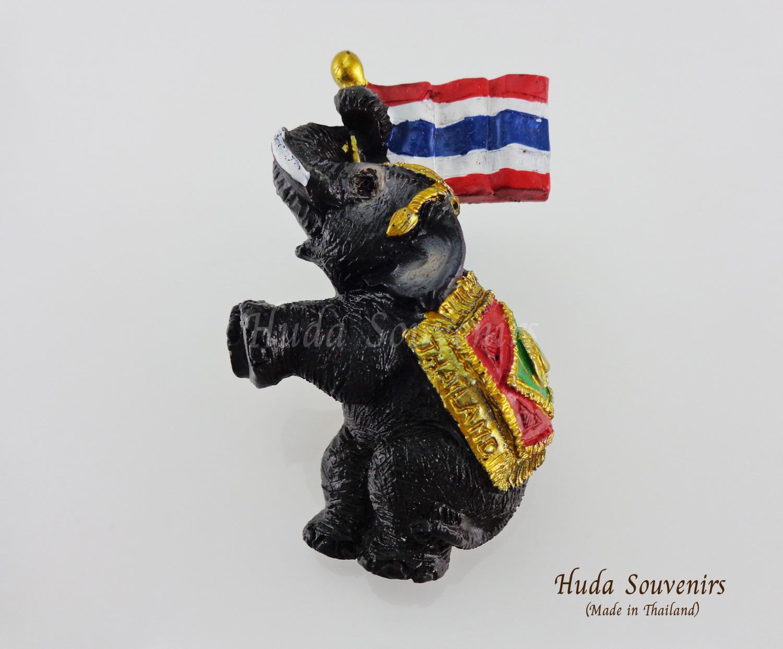 ของที่ระลึกไทย แม่เหล็กติดตู้เย็น ลวดลายช้างชูธง วัสดุเรซิ่น ชิ้นงานปั้มลายเนื้อนูน ลงสีสวยงาม
