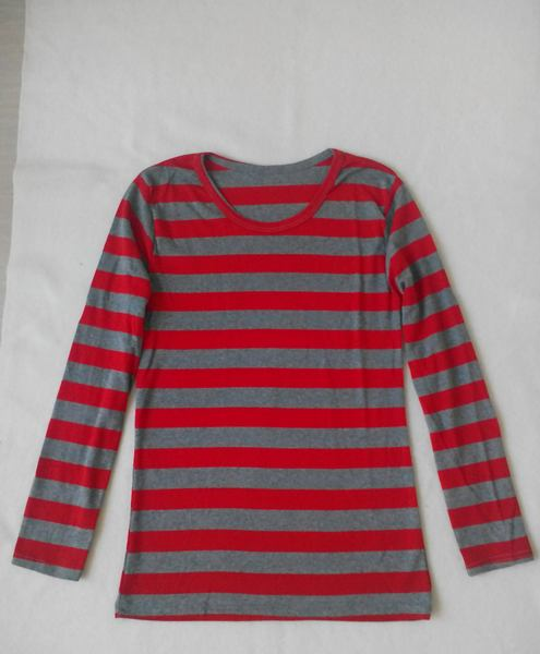 เสื้อยืดแขนยาวลายแดงสลับเทาสวย